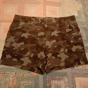 Eddie Bauer camo shorts